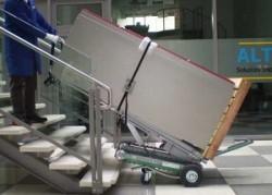 stair-climbing-trolley-vending-machine-skipper img